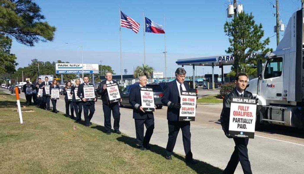 Mesa pilots picket